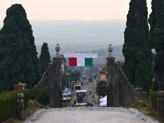 Giro d'Italia beim Castello di Susans